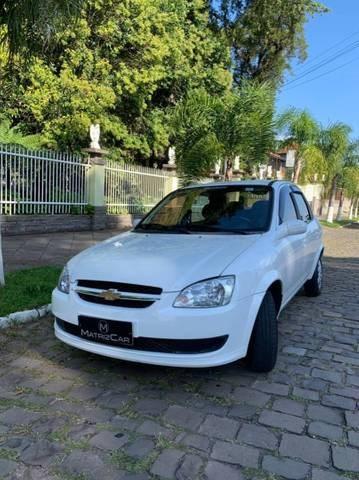 //www.autoline.com.br/carro/chevrolet/classic-10-ls-8v-flex-4p-manual/2015/canela-rs/14250579