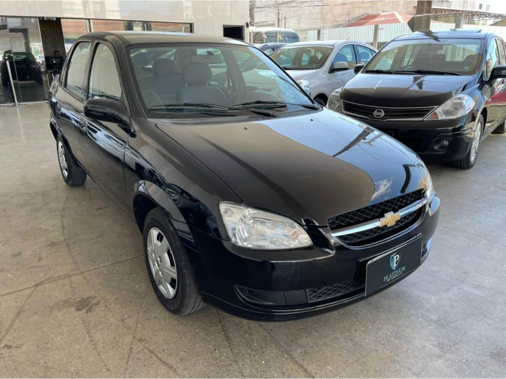 //www.autoline.com.br/carro/chevrolet/classic-10-ls-8v-flex-4p-manual/2015/palhoca-sc/14443292