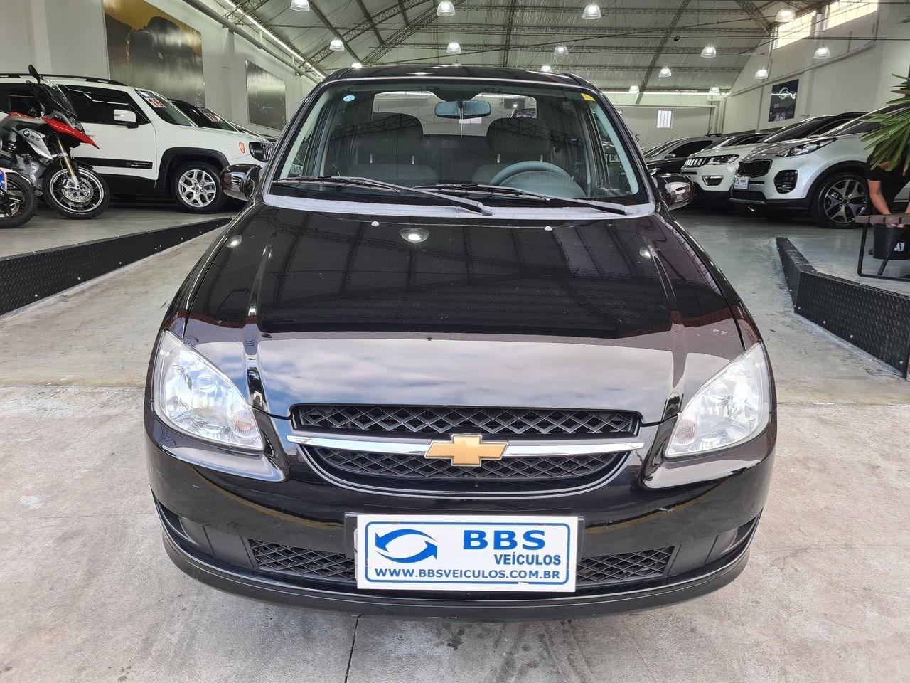 //www.autoline.com.br/carro/chevrolet/classic-10-ls-8v-flex-4p-manual/2014/sao-paulo-sp/14521243
