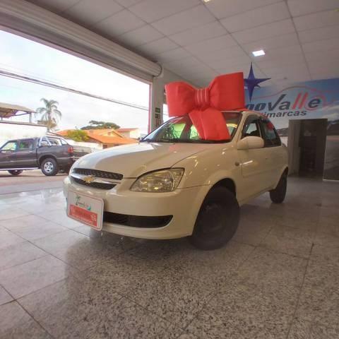 //www.autoline.com.br/carro/chevrolet/classic-10-ls-8v-flex-4p-manual/2014/sao-jose-dos-campos-sp/14984617