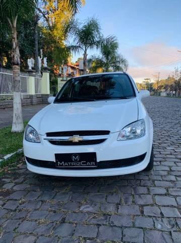 //www.autoline.com.br/carro/chevrolet/classic-10-ls-8v-flex-4p-manual/2015/canela-rs/15031927