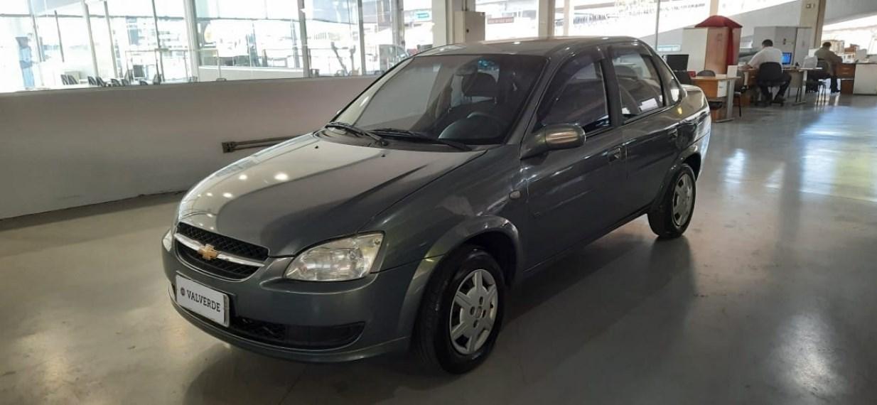 //www.autoline.com.br/carro/chevrolet/classic-10-ls-8v-flex-4p-manual/2014/campinas-sp/15152349