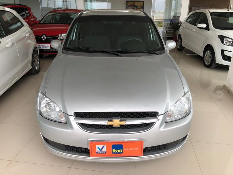 //www.autoline.com.br/carro/chevrolet/classic-10-ls-8v-flex-4p-manual/2015/eunapolis-ba/15263667