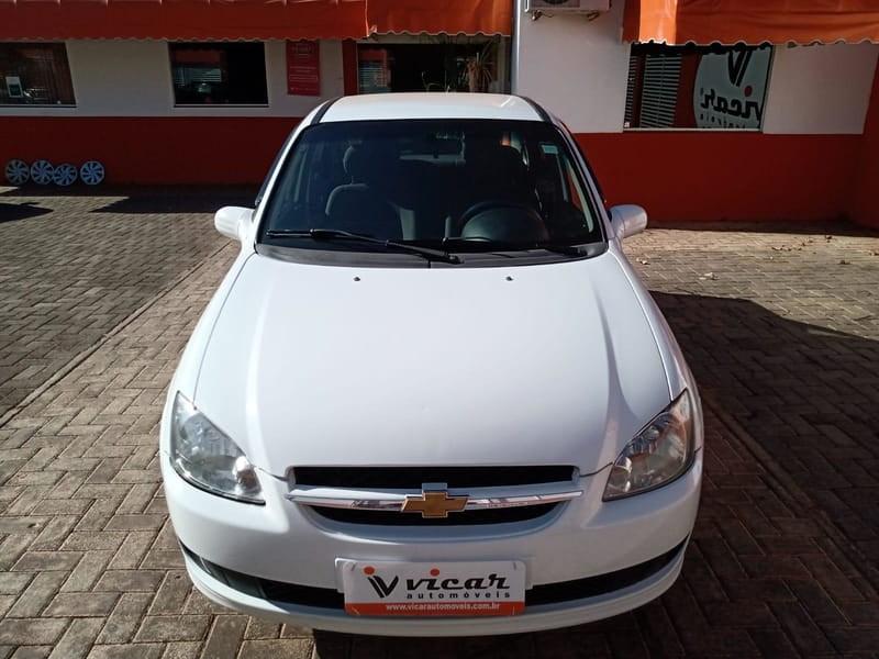 //www.autoline.com.br/carro/chevrolet/classic-10-ls-8v-flex-4p-manual/2014/brasilia-df/15388372