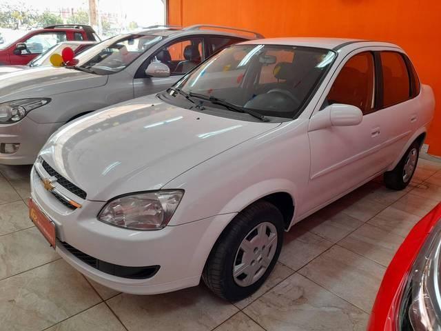 //www.autoline.com.br/carro/chevrolet/classic-10-ls-8v-flex-4p-manual/2015/brasilia-df/15582157
