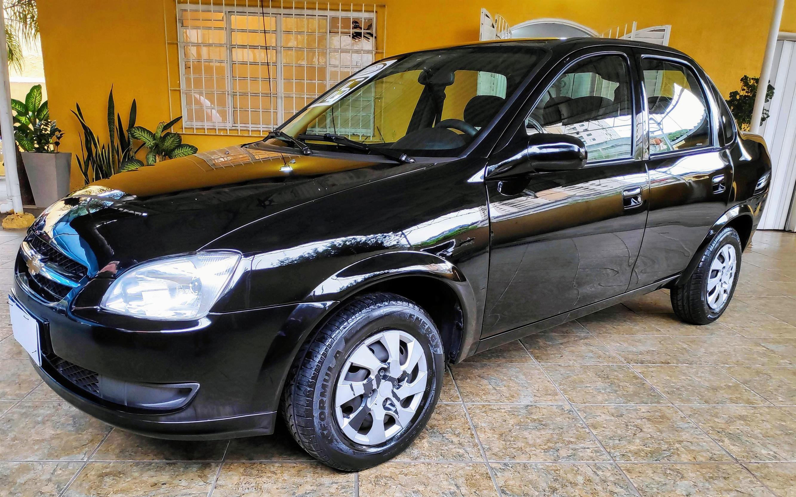 //www.autoline.com.br/carro/chevrolet/classic-10-ls-8v-flex-4p-manual/2016/sao-paulo-sp/15660595