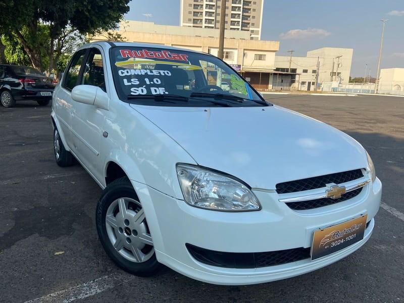 //www.autoline.com.br/carro/chevrolet/classic-10-ls-8v-flex-4p-manual/2012/brasilia-df/15672520