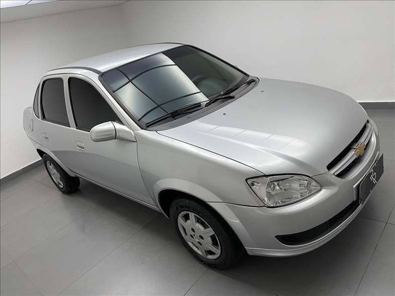 //www.autoline.com.br/carro/chevrolet/classic-10-ls-8v-flex-4p-manual/2016/mogi-das-cruzes-sp/15691014
