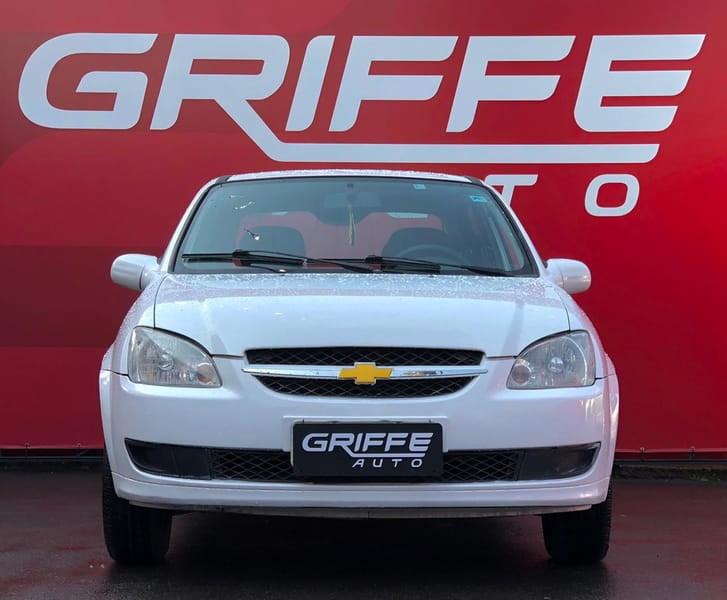 //www.autoline.com.br/carro/chevrolet/classic-10-ls-8v-flex-4p-manual/2012/curitiba-pr/15697931