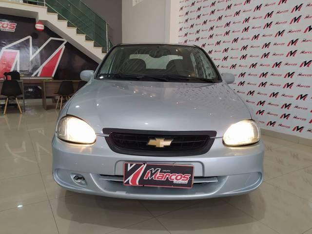 //www.autoline.com.br/carro/chevrolet/classic-10-spirit-8v-flex-4p-manual/2009/jaguaquara-ba/15710736