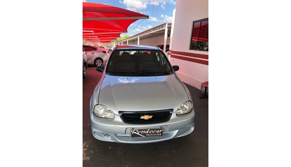 //www.autoline.com.br/carro/chevrolet/classic-10-8v-flex-4p-manual/2010/rondonopolis-mt/8748333