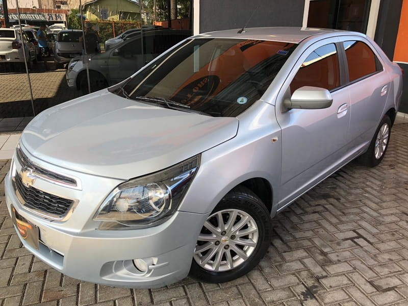 //www.autoline.com.br/carro/chevrolet/cobalt-14-ltz-8v-flex-4p-manual/2013/curitiba-pr/13170500