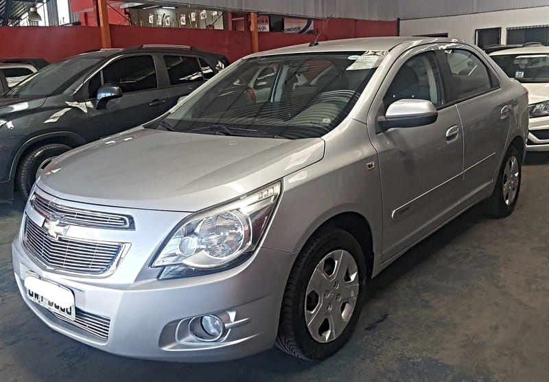 //www.autoline.com.br/carro/chevrolet/cobalt-18-lt-8v-flex-4p-manual/2014/belo-horizonte-mg/15490622
