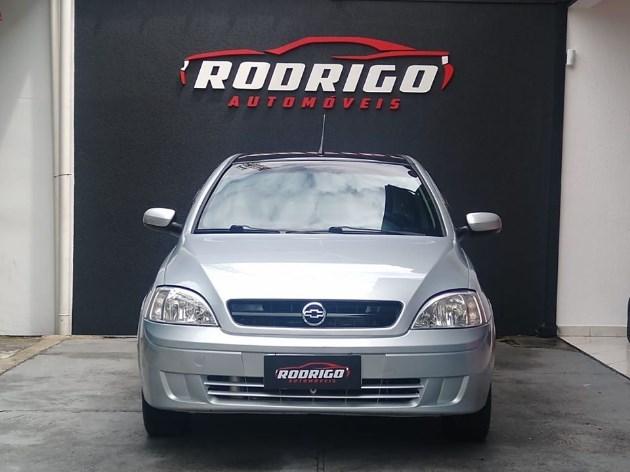 //www.autoline.com.br/carro/chevrolet/corsa-10-maxx-8v-sedan-flex-4p-manual/2005/taubate-sp/10575167