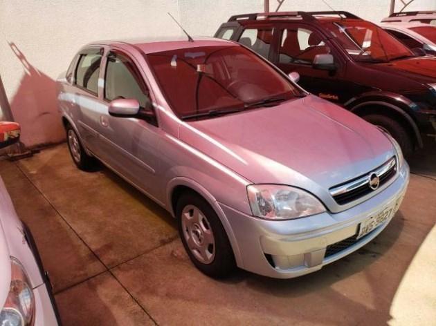 //www.autoline.com.br/carro/chevrolet/corsa-14-sedan-premium-8v-flex-4p-manual/2009/catanduva-sp/11000917