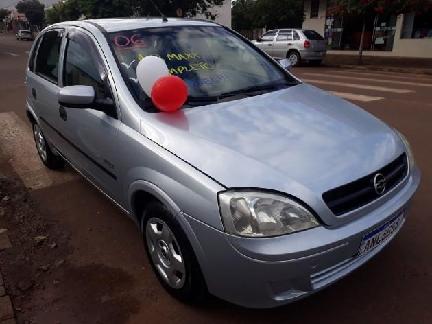 //www.autoline.com.br/carro/chevrolet/corsa-18-maxx-8v-flex-4p-manual/2006/guaraniacu-pr/11076743
