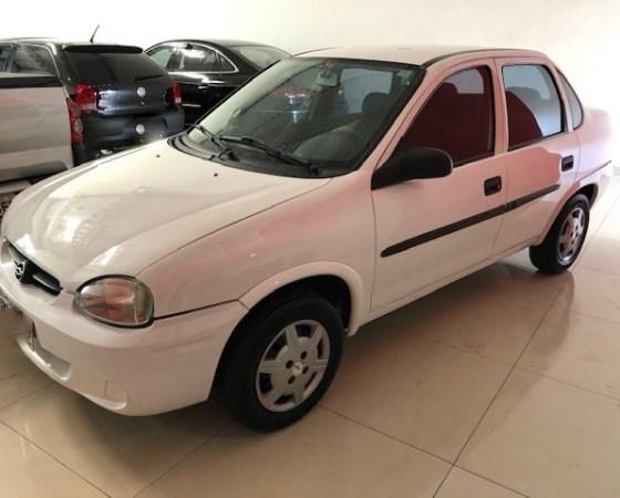 //www.autoline.com.br/carro/chevrolet/corsa-10-sedan-classic-8v-gasolina-4p-manual/2003/goianesia-go/11086395