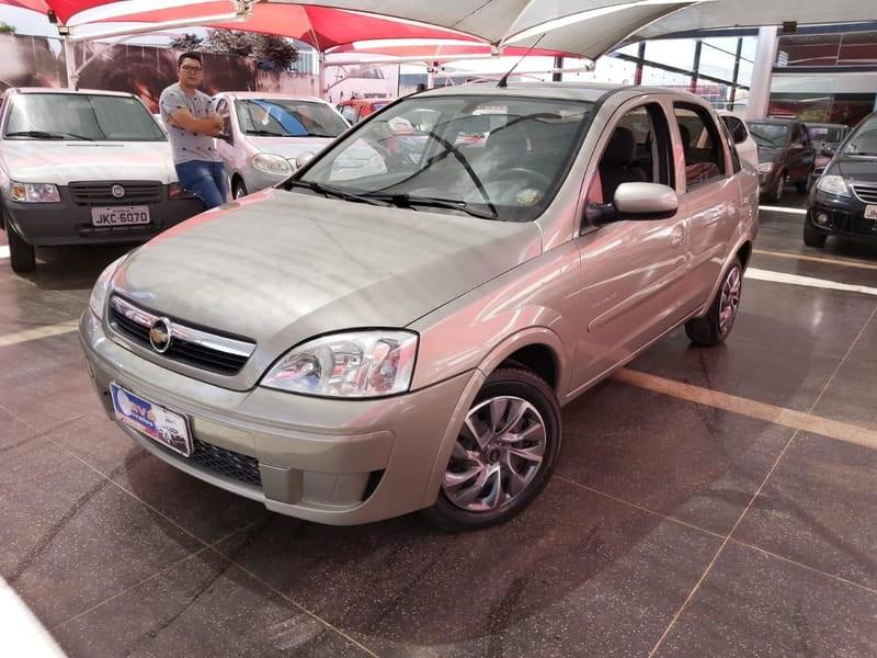 //www.autoline.com.br/carro/chevrolet/corsa-14-premium-8v-sedan-flex-4p-manual/2010/brasilia-df/11418004