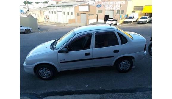 //www.autoline.com.br/carro/chevrolet/corsa-10-sedan-classic-spirit-8v-gasolina-4p-manual/2005/itatiba-sp/11712852