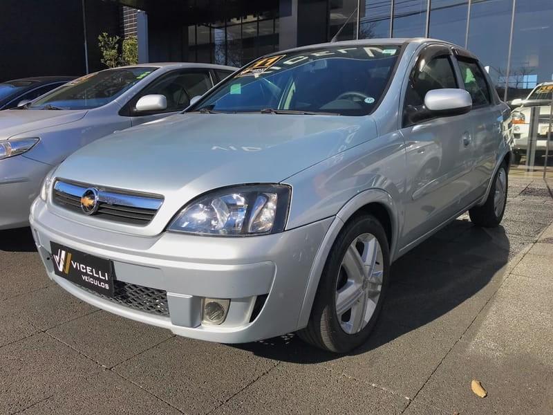 //www.autoline.com.br/carro/chevrolet/corsa-14-sedan-premium-8v-flex-4p-manual/2011/cascavel-pr/12328001