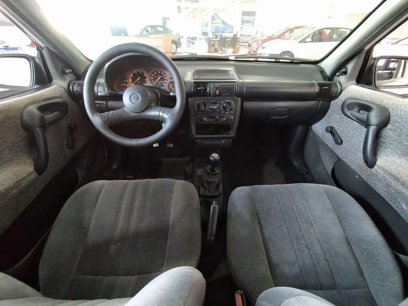 //www.autoline.com.br/carro/chevrolet/corsa-16-hatch-gl-8v-gasolina-4p-manual/1999/tres-passos-rs/12610484