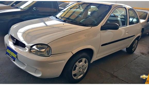 //www.autoline.com.br/carro/chevrolet/corsa-10-hatch-super-16v-gasolina-4p-manual/2001/taquaritinga-sp/12659548