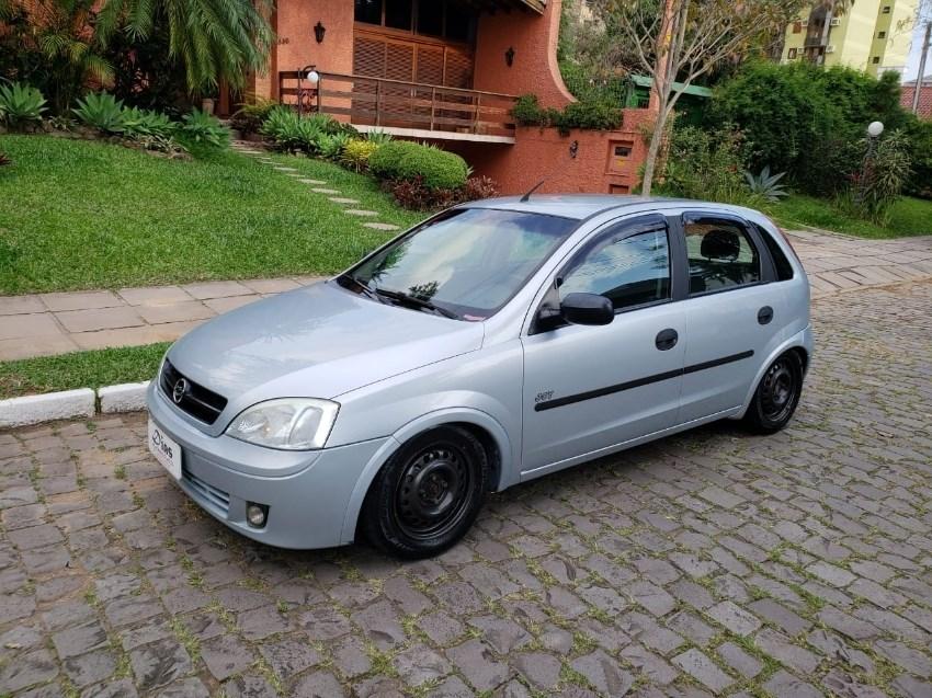 //www.autoline.com.br/carro/chevrolet/corsa-10-hatch-joy-8v-flex-4p-manual/2006/novo-hamburgo-rs/12955156