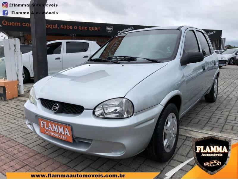 //www.autoline.com.br/carro/chevrolet/corsa-10-hatch-wind-milenium-8v-gasolina-4p-manual/2001/joinville-sc/12959204