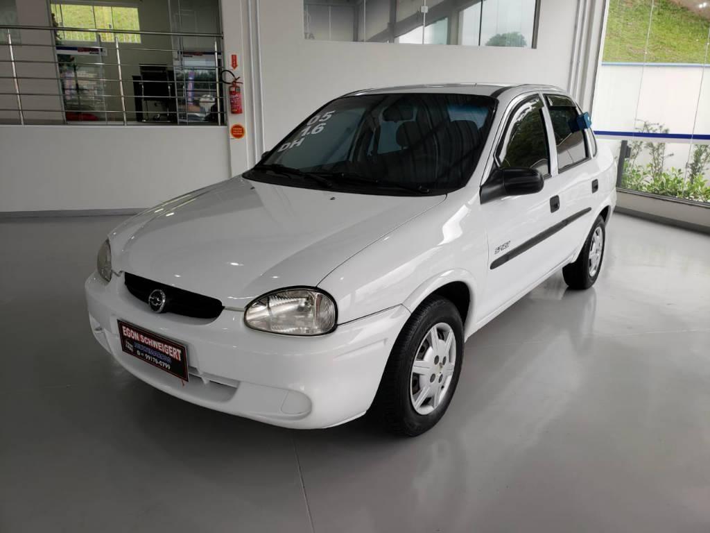 //www.autoline.com.br/carro/chevrolet/corsa-16-sedan-classic-spirit-8v-gasolina-4p-manual/2005/blumenau-sc/13187215