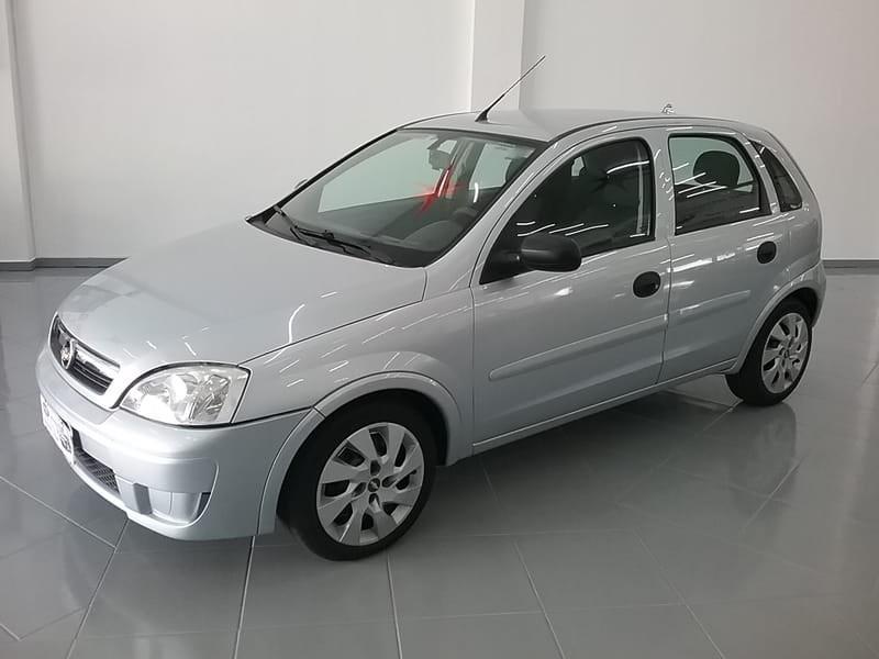 //www.autoline.com.br/carro/chevrolet/corsa-14-hatch-maxx-8v-flex-4p-manual/2012/cascavel-pr/13858144