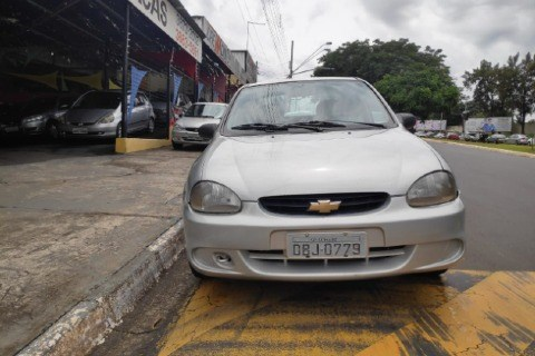 //www.autoline.com.br/carro/chevrolet/corsa-10-sedan-wind-8v-gasolina-4p-manual/2000/sumare-sp/13883769