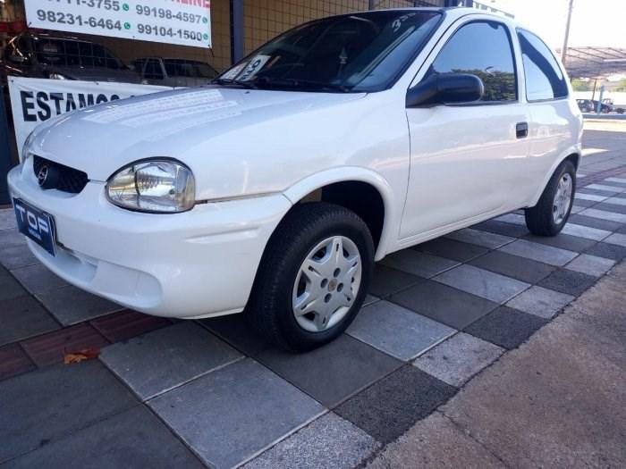 //www.autoline.com.br/carro/chevrolet/corsa-10-hatch-wind-8v-gasolina-2p-manual/2000/sao-jose-do-rio-preto-sp/13917067