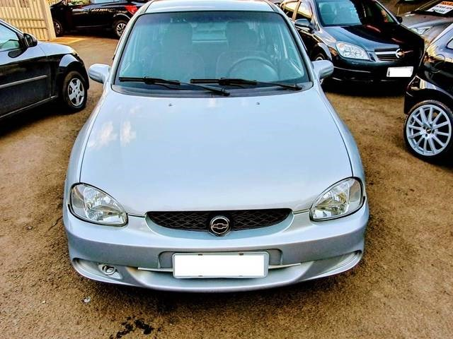 //www.autoline.com.br/carro/chevrolet/corsa-10-sedan-wind-milenium-8v-gasolina-4p-manual/2001/itapira-sp/13946070