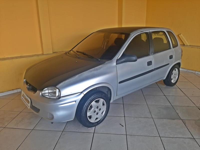 //www.autoline.com.br/carro/chevrolet/corsa-10-hatch-wind-8v-gasolina-4p-manual/2001/contagem-mg/14045928