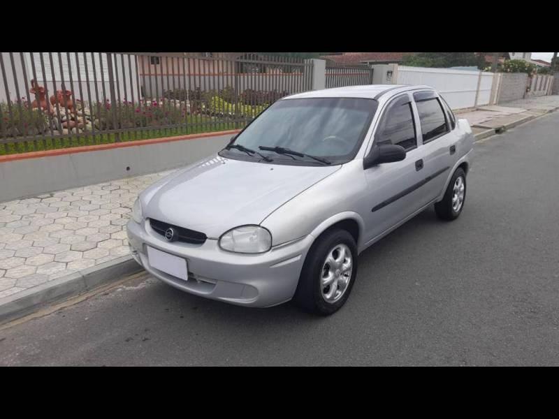 //www.autoline.com.br/carro/chevrolet/corsa-16-sedan-classic-8v-gasolina-4p-manual/2003/joinville-sc/14151502