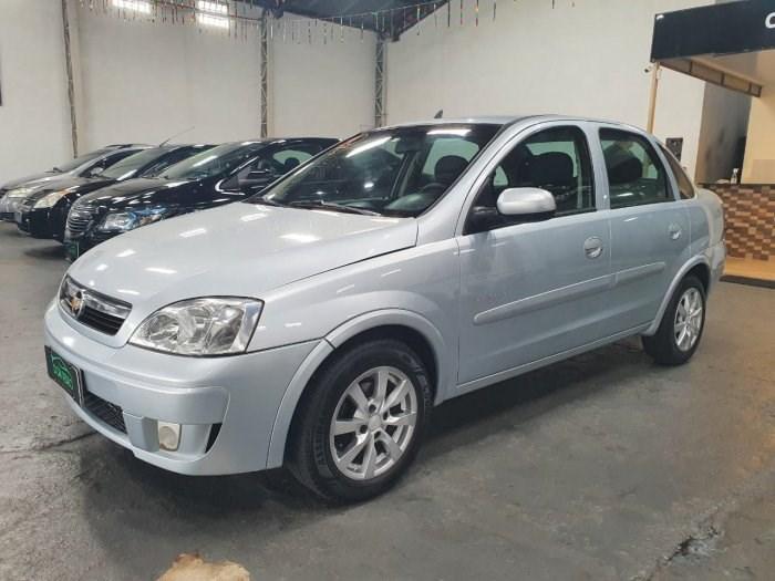 //www.autoline.com.br/carro/chevrolet/corsa-14-sedan-premium-8v-flex-4p-manual/2010/lins-sp/14228894