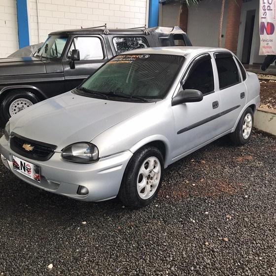 //www.autoline.com.br/carro/chevrolet/corsa-10-hatch-super-16v-gasolina-4p-manual/2000/nova-odessa-sp/14323789