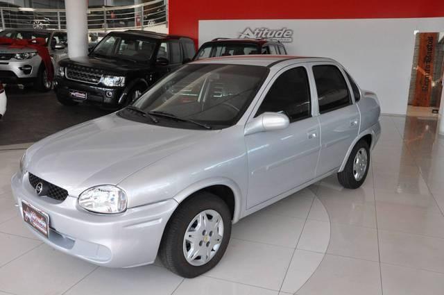 //www.autoline.com.br/carro/chevrolet/corsa-10-sedan-wind-milenium-8v-gasolina-4p-manual/2002/passo-fundo-rs/14343040