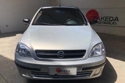 //www.autoline.com.br/carro/chevrolet/corsa-10-classic-vhc-8v-70cv-4p-gasolina-manual/2005/sao-paulo-sp/14461595
