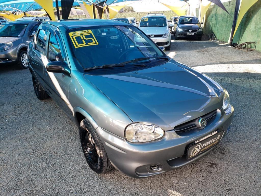 //www.autoline.com.br/carro/chevrolet/corsa-10-sedan-classic-life-8v-gasolina-4p-manual/2005/campinas-sp/14493981