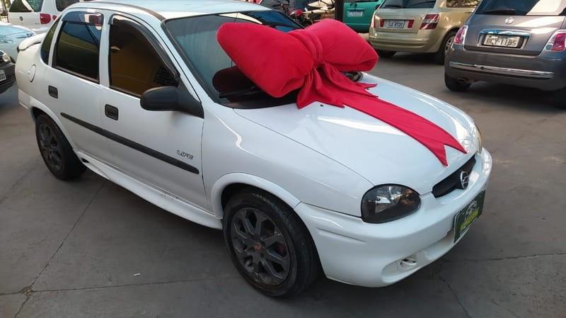 //www.autoline.com.br/carro/chevrolet/corsa-16-sedan-classic-life-8v-gasolina-4p-manual/2005/curitiba-pr/14519562
