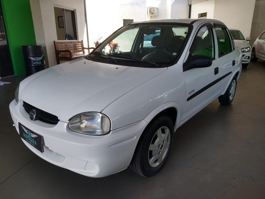 //www.autoline.com.br/carro/chevrolet/corsa-10-a-sedan-classic-life-8v-alcool-4p-manual/2005/ribeirao-preto-sp/14627023