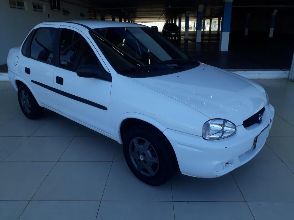 //www.autoline.com.br/carro/chevrolet/corsa-10-sedan-classic-8v-gasolina-4p-manual/2003/uberlandia-mg/14643712