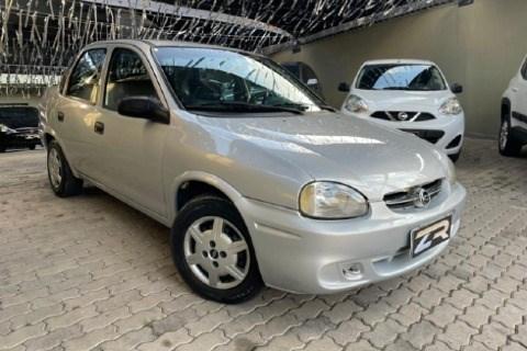 //www.autoline.com.br/carro/chevrolet/corsa-10-a-sedan-classic-life-8v-alcool-4p-manual/2005/sorocaba-sp/14680138