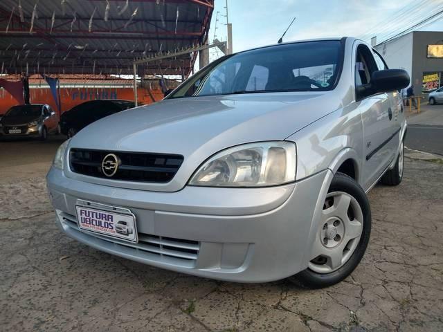 //www.autoline.com.br/carro/chevrolet/corsa-18-sedan-joy-8v-flex-4p-manual/2005/sumare-sp/14781600