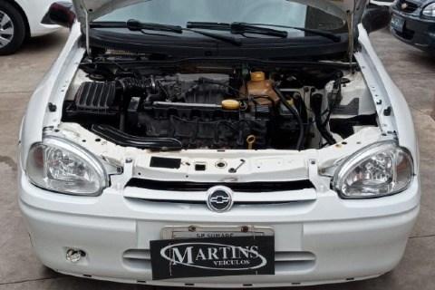 //www.autoline.com.br/carro/chevrolet/corsa-10-sedan-super-16v-gasolina-4p-manual/1999/sumare-sp/14873424