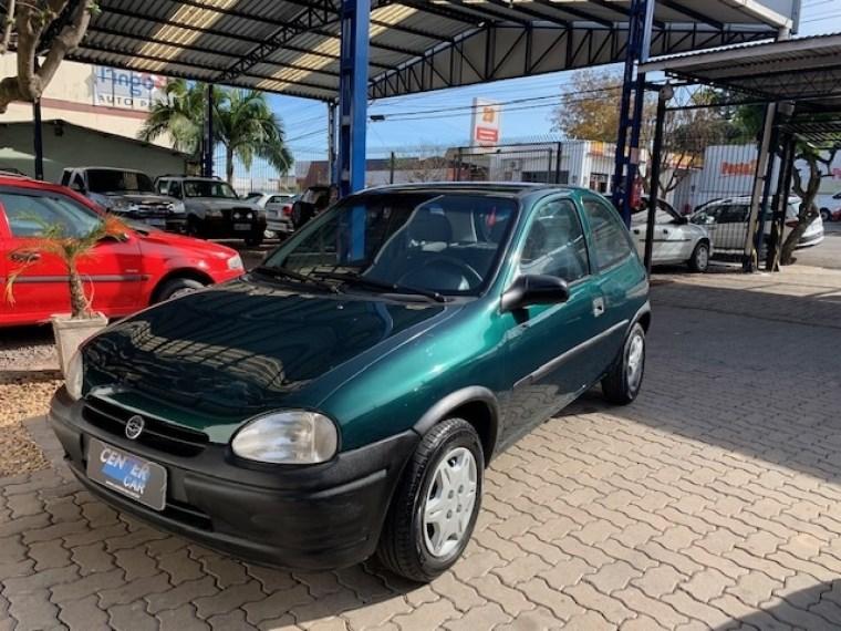 //www.autoline.com.br/carro/chevrolet/corsa-10-hatch-wind-8v-gasolina-2p-manual/1999/santa-cruz-do-sul-rs/15052990