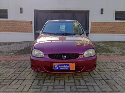 //www.autoline.com.br/carro/chevrolet/corsa-10-sedan-super-16v-gasolina-4p-manual/2000/erechim-rs/15136740