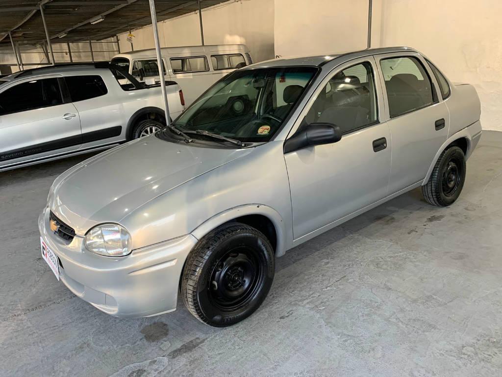 //www.autoline.com.br/carro/chevrolet/corsa-10-a-sedan-classic-super-8v-alcool-4p-manual/2005/pedro-leopoldo-mg/15428292