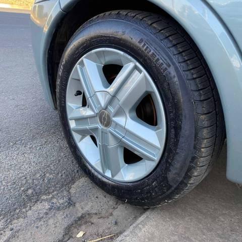 //www.autoline.com.br/carro/chevrolet/corsa-10-sedan-8v-gasolina-4p-manual/2003/mogi-guacu-sp/15436909